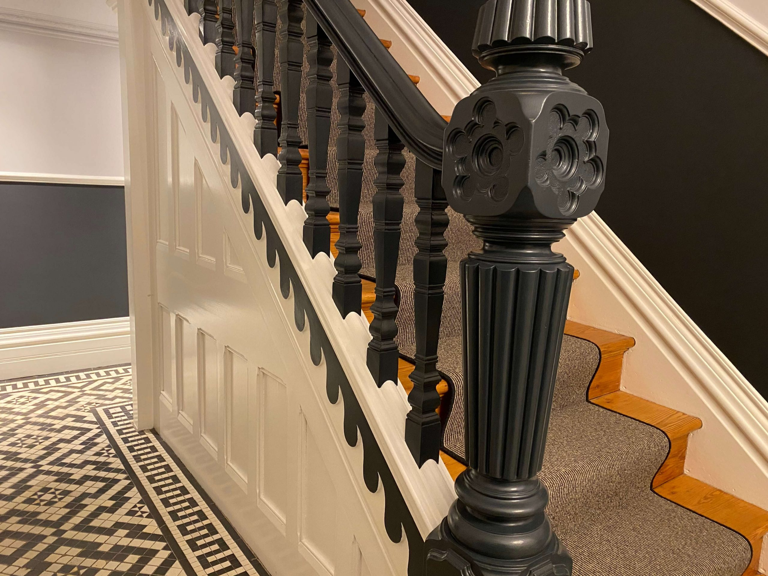 8. Handrail, Spindles & Newel post 2